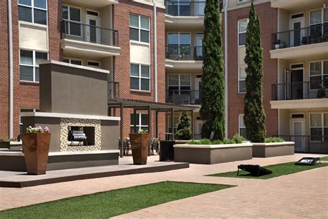 Tour the Gallery | Apartments 77027 | Metro Greenway