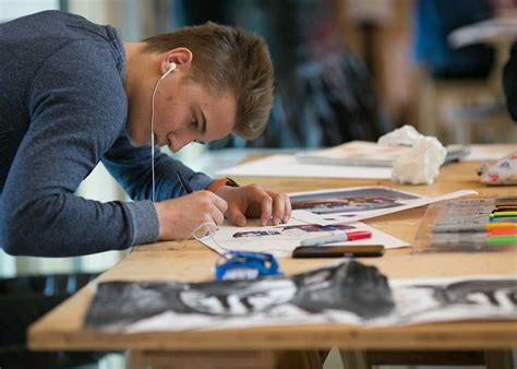 Art and Digital Design course for Teenagers 15-17 | St