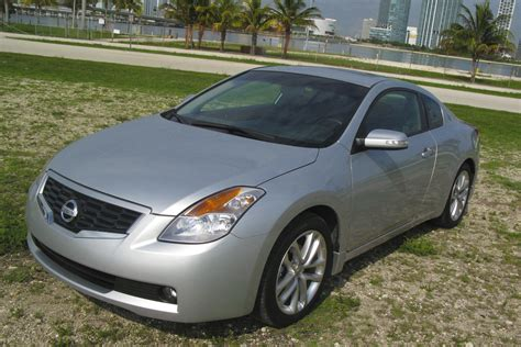 2009 Nissan Altima Coupe 3