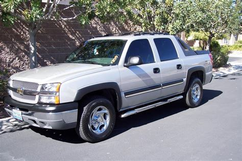2004 Chevrolet Avalanche Axle Bearing / Differential