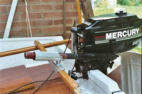 Remote control for a small auxiliary outboard - Practical