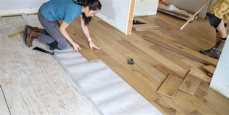 HOW TO LEVEL A SUBFLOOR FOR A HARDWOOD FLOOR INSTALLATION